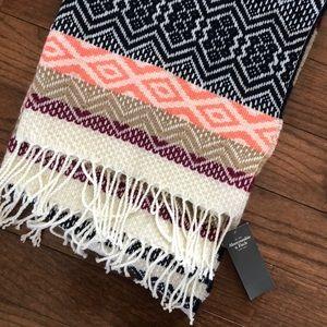 NWT Abercrombie scarf